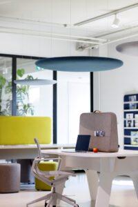 Cascando kantoormeubelen Den Haag trunk desk Heering Office