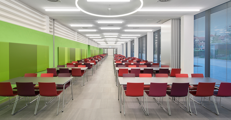 Thonet kantoormeubilair Den Haag kantinemeubilair Heering Office