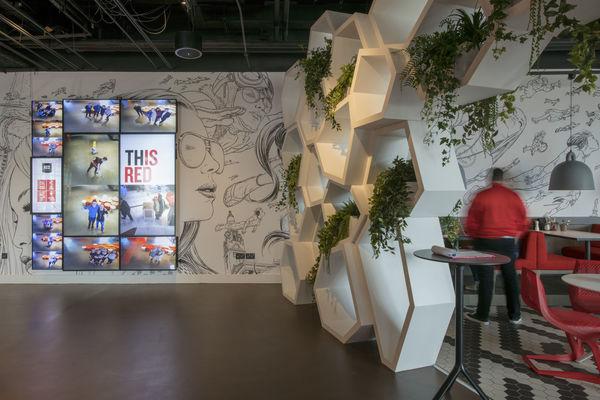 Vescom kantoormeubelen Den Haag wallvisual 2 Heering Office