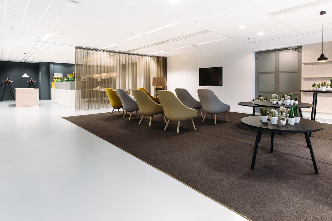 Vescom kantoormeubelen Den Haag wallvisual gordijnen Heering Office
