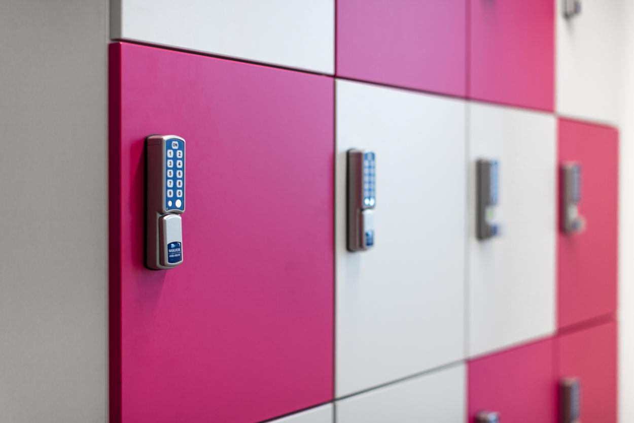 T-systems lockerkast Heering Office Den Haag