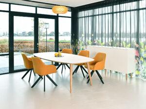 Castelijn kantoormeubilair Den Haag vergadertafel Heering Office