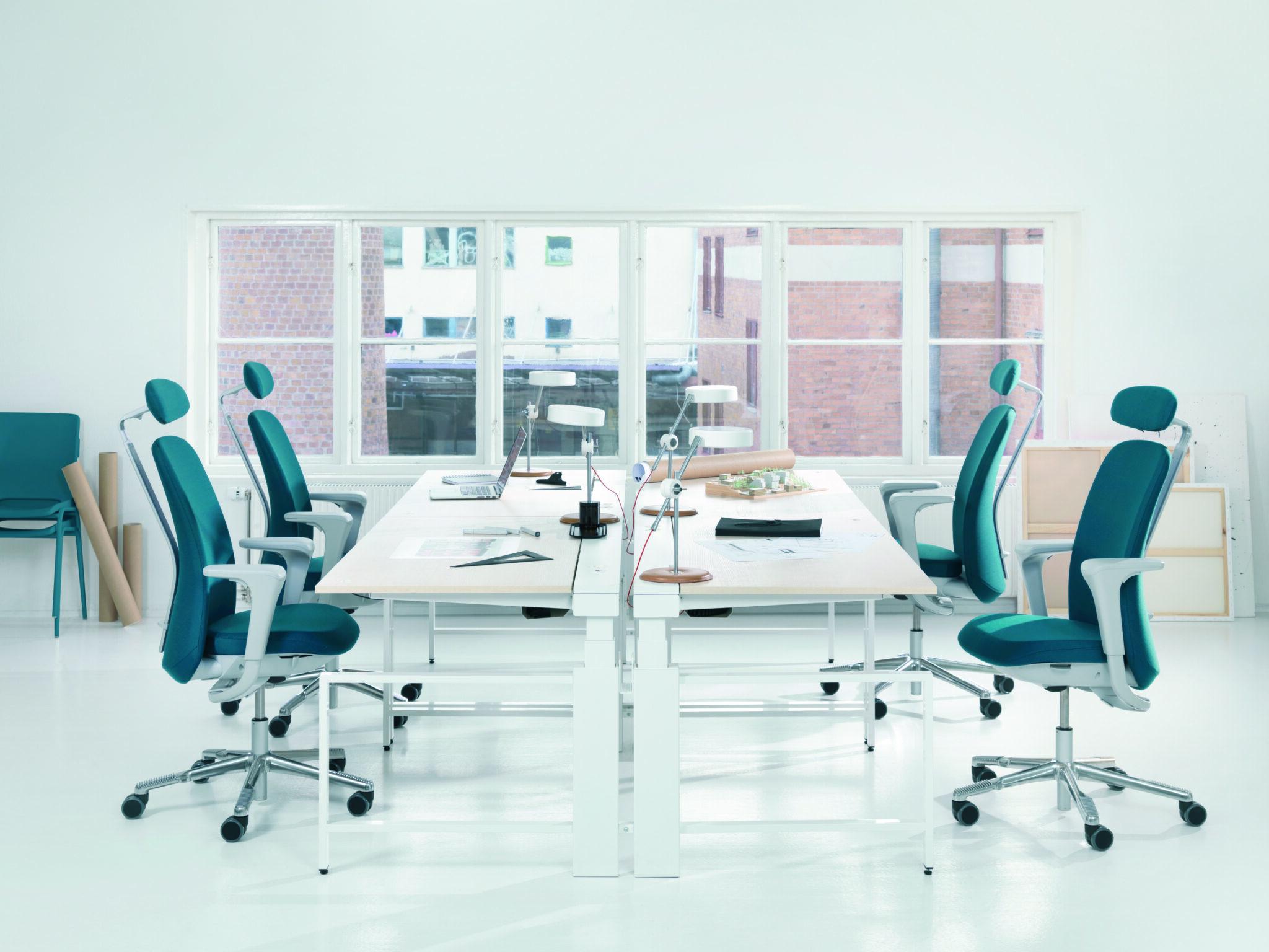 HAG kantoormeubilair capisco Heering Office Den Haag