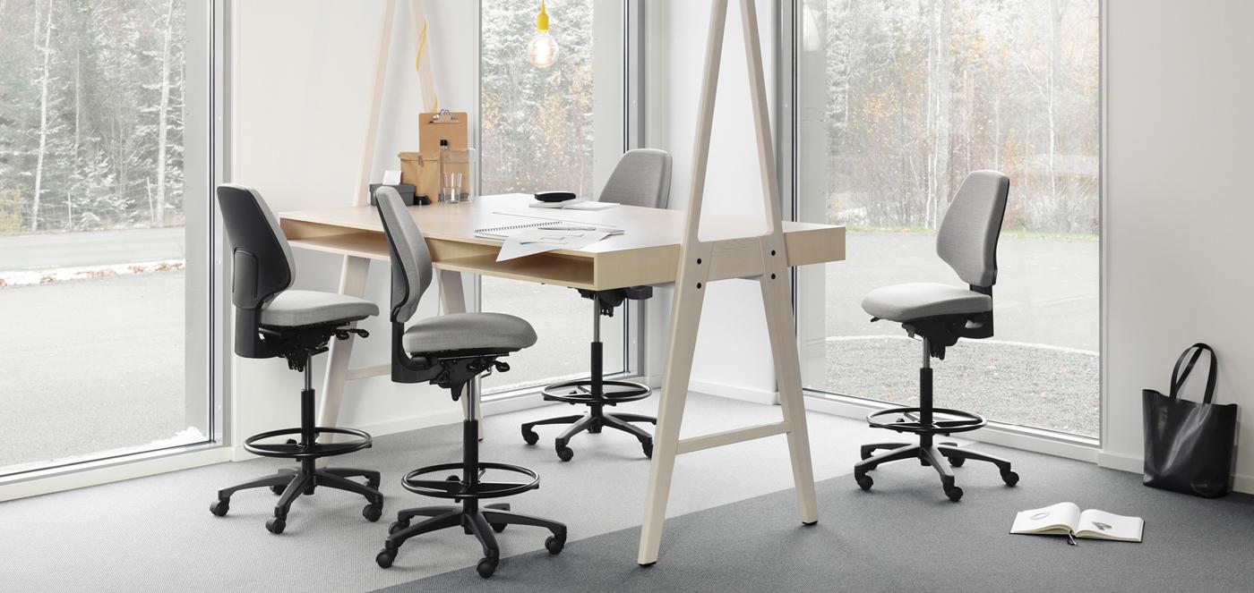 RH kantoormeubelen Den Haag stoel zit-sta werkplek activ Heering Office
