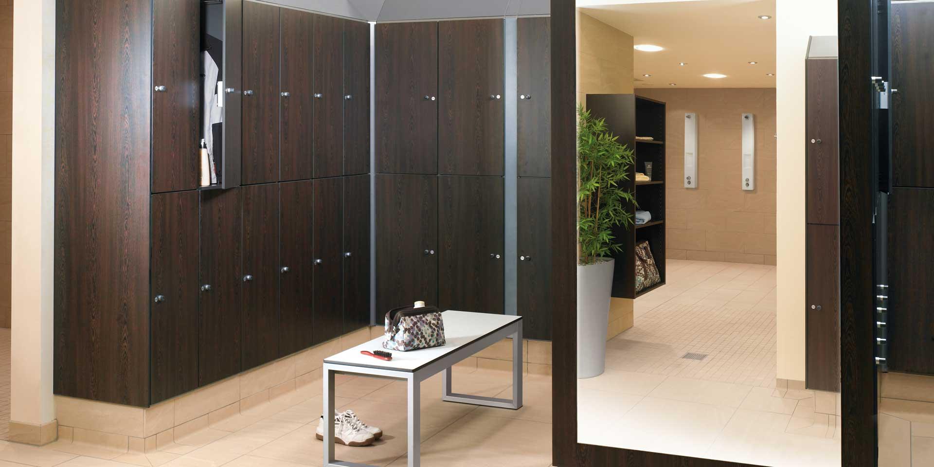 Scheeres kantoormeubelen Den Haag prefino garderobekast Heering Office