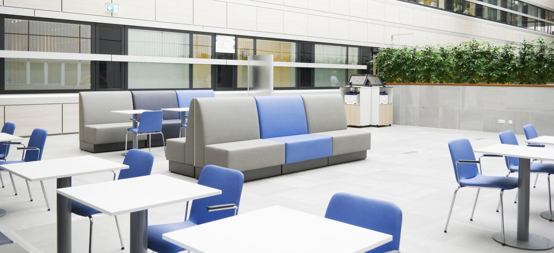 Vepa kantoormeubelen Den Haag ontvangstmeubilair Heering Office