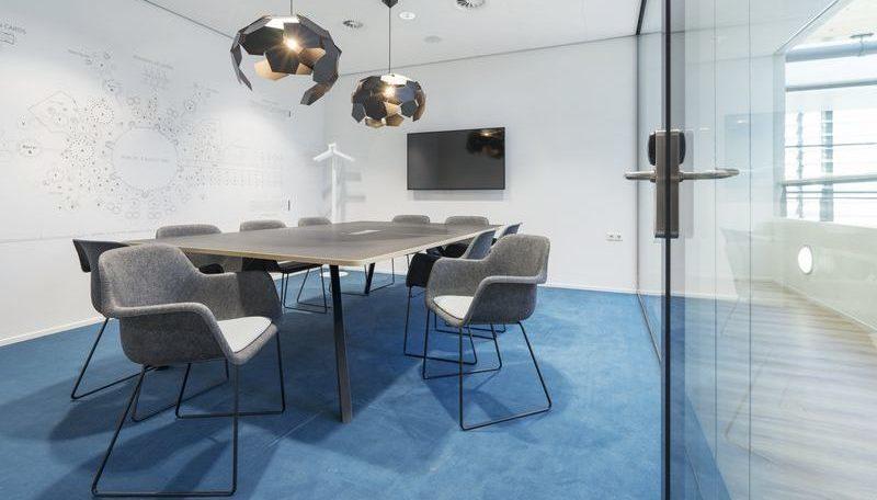 Vepa kantoormeubelen Den Haag vergadertafel - vergadermeubilair - duurzaam Heering Office