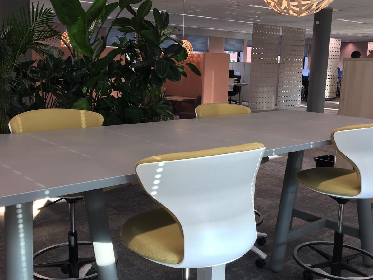 jeugdzorg vergader statafel Heering Office Den Haag