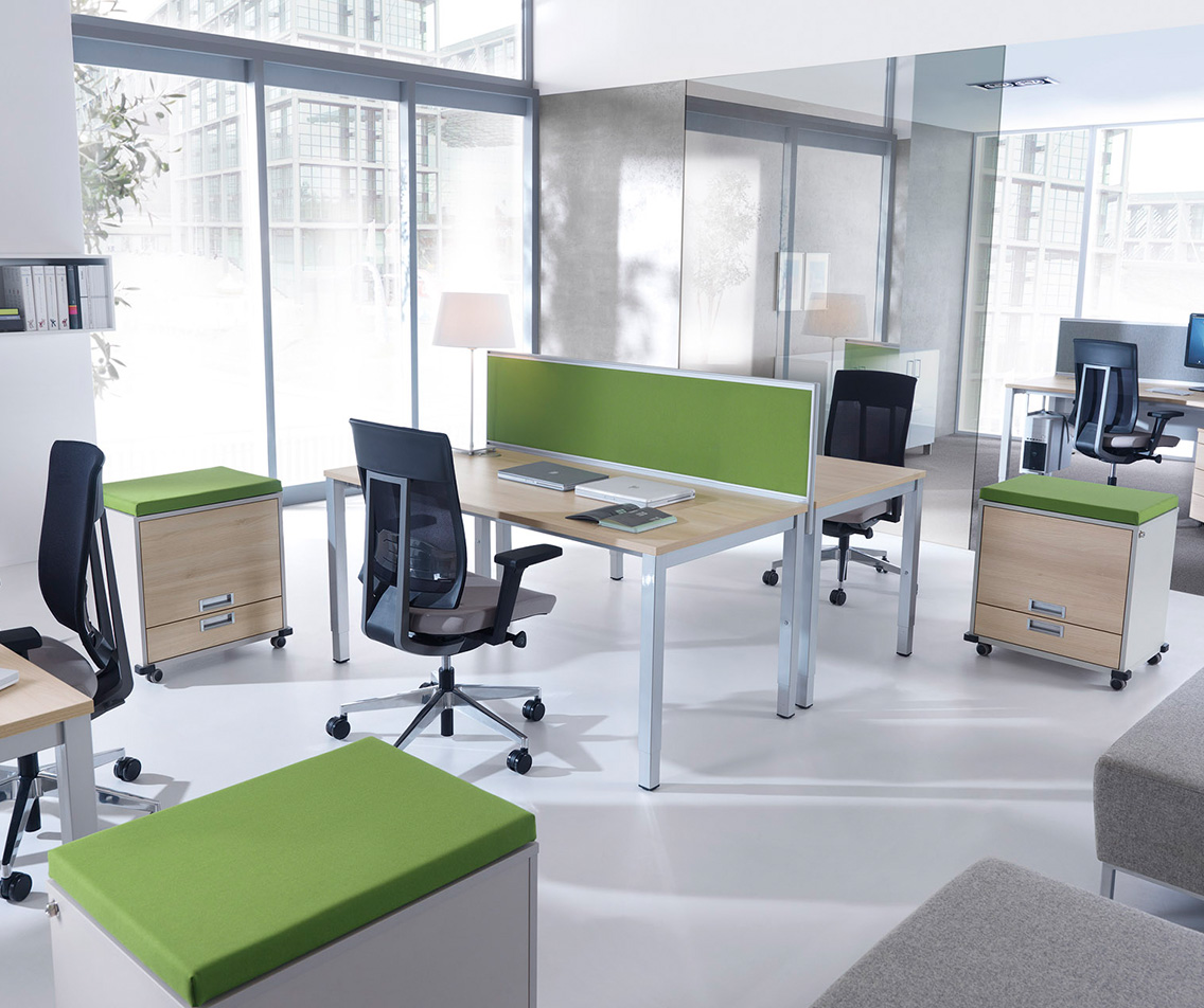 mikomax kantoormeubelen Den Haag primo bureau Heering Office