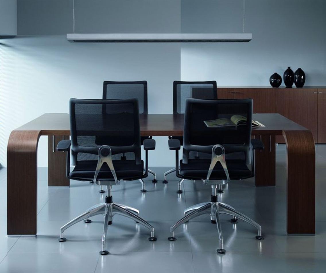 mikomax kantoormeubelen Den Haag tess vergadertafel Heering Office
