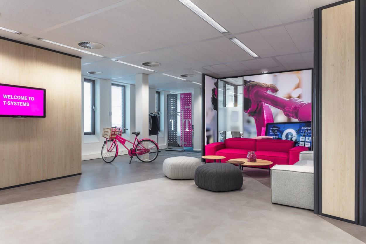 wachtruimte receptie T-systems Heering Office Den Haag