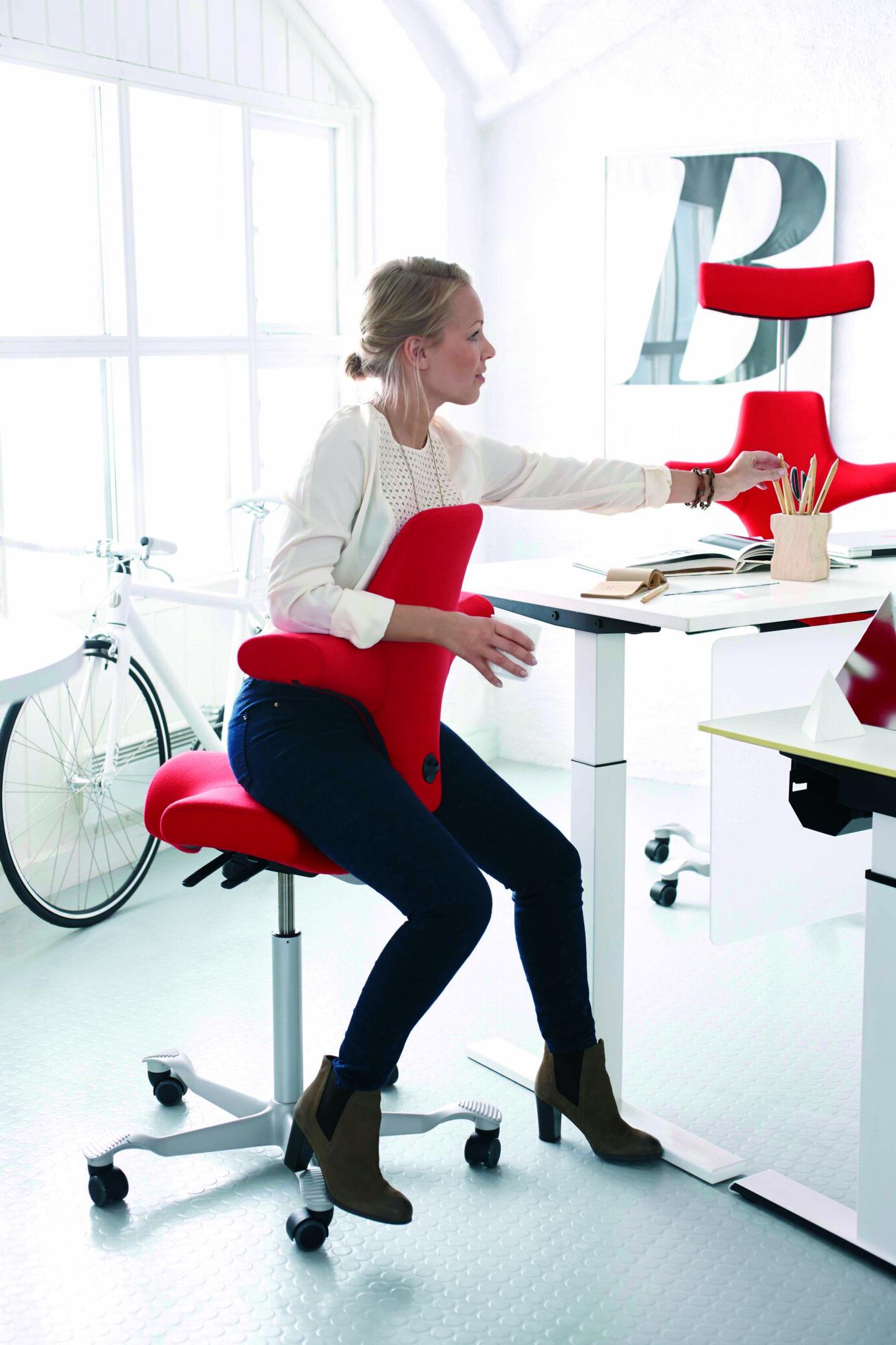 HÅG Capisco kantoorinrichting - kantoormeubelen Den Haag Heering Office ergonomie