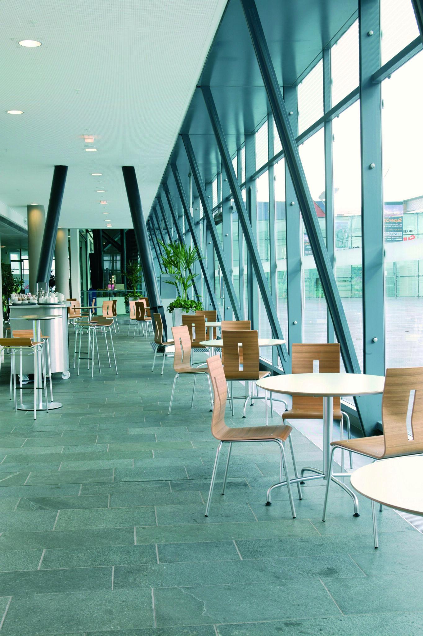 Senator - Allermuir kantinemeubilair Heering Office Den Haag