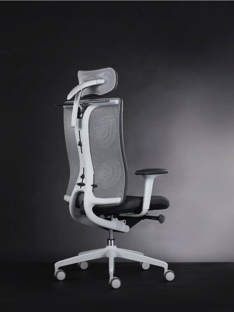 Senator-kantoormeubilair-bureaustoel-Den-Haag-Heering-Office-998x1024