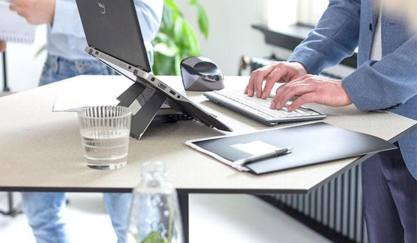 Ergonomische producten voor thuiswerken Heering Office Den Haag